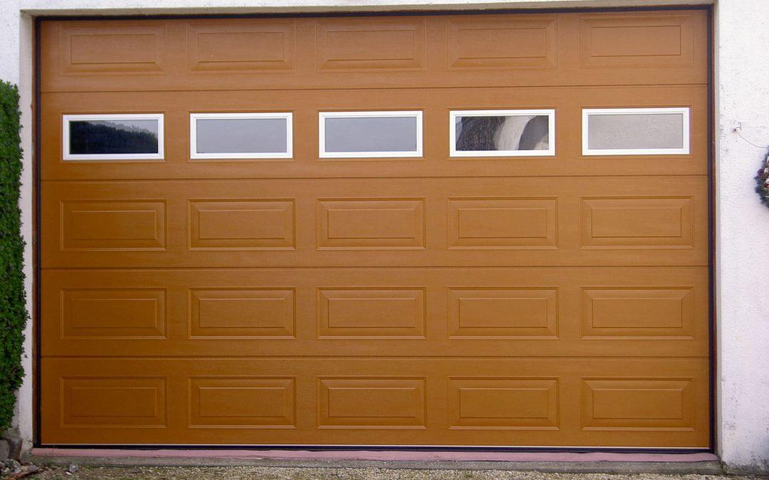 Elegir una puerta de garaje eléctrica: ¿qué criterios?